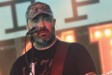 Aaron Lewis Was in a Fragile State When Recording New Album